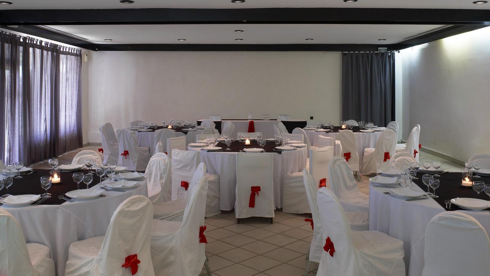"=""banquet-hall-hotel-mandji-port-gentil""/"